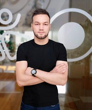 Азиз Сапаров